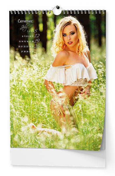 Nástěnný kalendář A3 - Girls